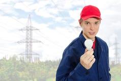 Eletricista novo no uniforme Imagem de Stock Royalty Free
