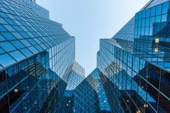 Elevação arquitetónica com reflexões do céu Fotos de Stock Royalty Free