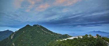 Elevação de Sun no Grande Muralha chinês fotos de stock