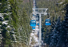 Elevación de esquí del teleférico imágenes de archivo libres de regalías