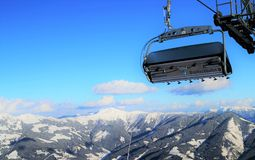 Elevación de esquí sobre las nubes Imágenes de archivo libres de regalías