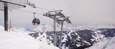 elevación del cable, montan@as, Austria Imagenes de archivo
