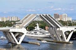 Elevación del puente del Fort Lauderdale fotos de archivo libres de regalías