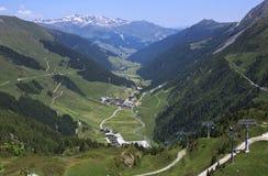 Elevación a Hintertux, valle de Ziller, Austria de la góndola Imagen de archivo