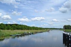 Elevación-puente sobre el río Foto de archivo libre de regalías