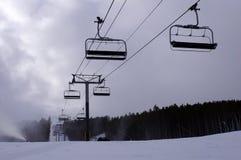 Elevador de cadeira da estância de esqui Fotos de Stock Royalty Free