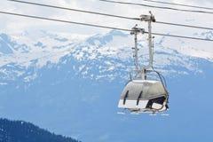Elevador de cadeira no Columbia Britânica do pico do assobiador fotografia de stock