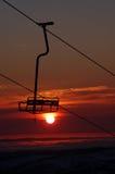 Elevador de cadeira tropical da estância de esqui fotografia de stock