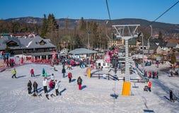 Elevador de esqui da montanha de Szrenica Foto de Stock