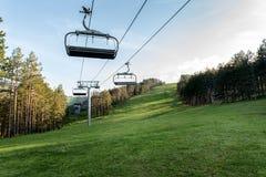 Elevador de esqui na montanha Tornik, Zlatibor, Sérvia imagem de stock royalty free