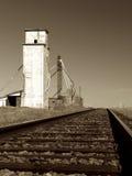 Elevador de grano abandonado Foto de archivo libre de regalías