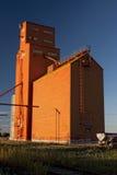 Elevador de grano anaranjado Fotografía de archivo