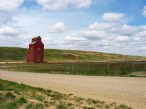 Elevador de grano solitario Fotos de archivo libres de regalías