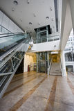 Elevador, escada e escada rolante Imagens de Stock