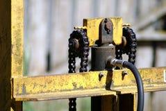Elevador hidráulico velho para a empilhadeira Fotografia de Stock Royalty Free