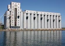 Elevadores de grano en Owen Sound Harbour foto de archivo libre de regalías