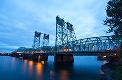 Elevamento del ponte di capriata del metallo sopra il fiume Columbia I-5 Interst Fotografie Stock Libere da Diritti