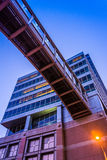 Elevated walkway and modern building in downtown Baltimore, Mary Stock Photography