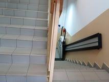 Elevatore di handicap, ascensore per la sedia a rotelle invalida Immagini Stock Libere da Diritti