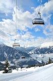 Elevatore di pattino in montagna di inverno Immagini Stock
