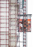 Elevatore di servizio nell'area della costruzione Fotografie Stock Libere da Diritti