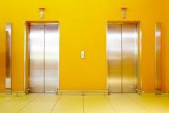 elevatorer Arkivfoton
