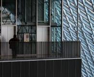 Elevatori dell'interno della biblioteca pubblica di Seattle fotografie stock libere da diritti