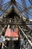 Elevatori della Torre Eiffel Fotografie Stock Libere da Diritti
