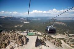 elevatorn Mammoth Mountain skidar Arkivfoton