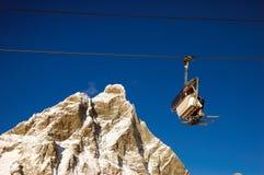 elevatorn matterhorn skidar royaltyfri fotografi