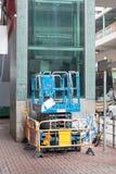 elevatorn scissor Arkivfoto