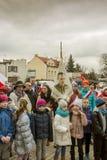 Elevdeltagande i ceremonin, nationell dag av minnet Arkivfoton