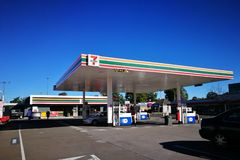 7 eleven petrol station with Mobil fuel pump at city of Penrith in the metropolitan area of Greater Western Sydney. SYDNEY, AUSTRALIA. - On July 16, 2019. - 7 royalty free stock image