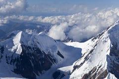 Elevens峰顶和通过,天山山 库存照片