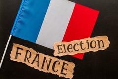 Elezione, FRANCIA, 2017, iscrizione sullo strato di carta lacerato fotografia stock