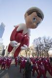 Elf sur le vol d'étagère par le défilé de Macy's Images libres de droits