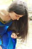 elf zakłada princess pierścionek Zdjęcia Royalty Free