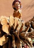 Elfa betweenn sosny rożki Obraz Royalty Free