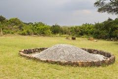 Elfenbein-brennender Standort, Kenia stockfotografie