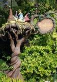Elfhöhle in Disneyland lizenzfreie stockfotos