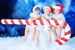 Elfs mit Süßigkeit Stockfoto