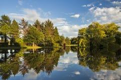 Elgin, пруд гребли парка бондаря. Стоковое Изображение