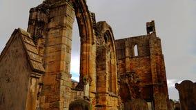 Elgin собор святой троицы на дождливый день стоковые изображения rf