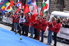 Eliah Muturi Karanja gagnant demi de marathon Photo stock