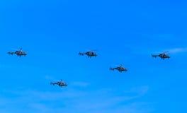 5 elicotteri medi di trasporto di Mi-8AMTK (anca) Immagini Stock