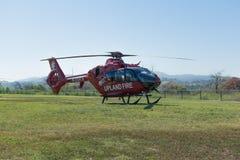 Elicottero del corpo dei vigili del fuoco della regione montana Fotografia Stock