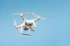 Elicottero del quadrato del fuco nel cielo Fotografia Stock