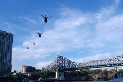 Elicottero dell'esercito della città del fiume di Brisbane Immagini Stock