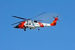 Elicottero della guardia costiera degli Stati Uniti Immagini Stock Libere da Diritti