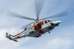 Elicottero della squadra di soccorso marittima spagnola Fotografie Stock Libere da Diritti
